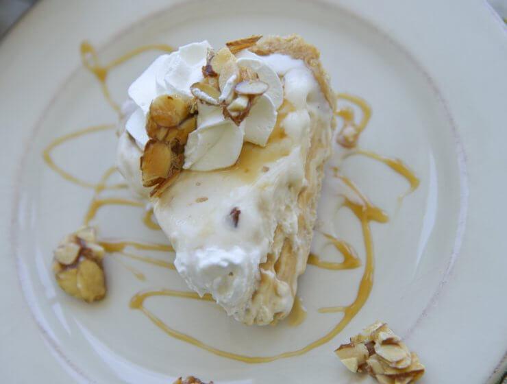 caramel nut ice cream pie